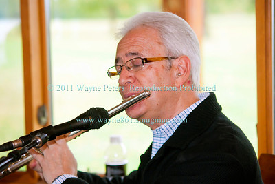 Off the Cuff at Schulze Vineyards and Winery on October 2, 2011